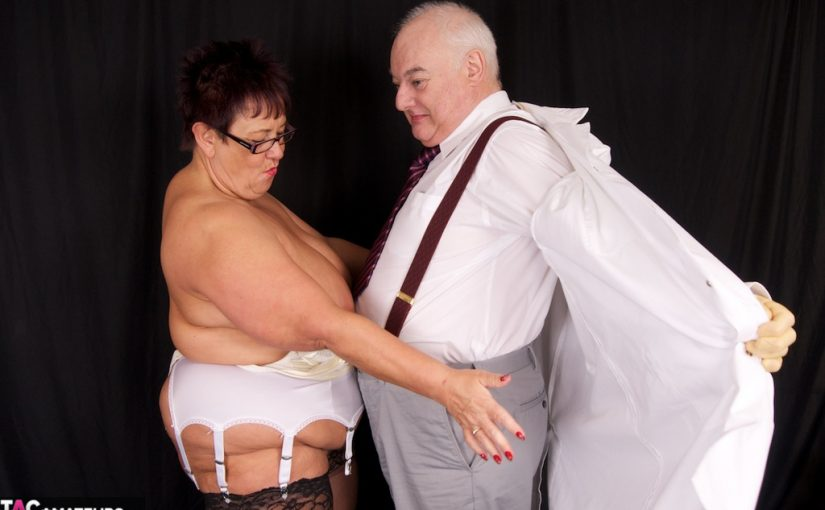 Wives and Matures examinated by kinky gyno doctor